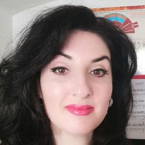 Anita Balan | Anita Balan | Professeur de langues / traductrice | Qwerteach - Le bon prof au bon moment | Qwerteach - Le bon prof au bon moment